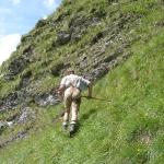 Bergstock, der in steilem Gelände abstützt