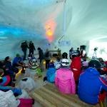 Franz Müllner im Riesen-Schnee-Iglu Großarltal bei seinen Fans