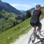 Mountainbiketour zur Heugathalm - fantastische bis zum Hochkönig reichende Aussicht