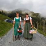 Anja und Anita: Alles bereit für den Abmarsch