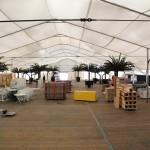 Schön langsam nimmt das Zelt Formen an ...