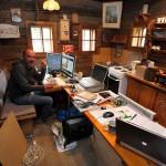 Die geistige Zentrale der Ausstellungsbauer mit deren mobilem Büro