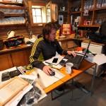 Andis fleißiger Kollege Markus vertieft in seine Arbeit