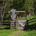 Einstieg in den Wanderweg zur Filzmoosalm am Salzburger Almenweg