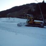 Viel Schneearbeit für das Pistengerät