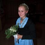 Christina Knapp in der Hochzeits-Tracht von Oma Burgl