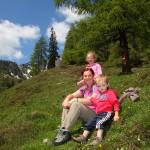 Der höchste Punkt unserer Wanderung - mitten in den Frühlingsblumen