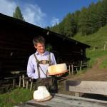 Karsegg-Willi mit seinem Käse