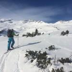 Aufstieg durch eine perfekte Berg- und Naturkulisse