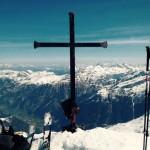 Das Kreuz des Keeskogel auf 2.886 m mit Blick zum Großarltal