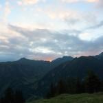 Graue Wolken trüben den Sonnenaufgang
