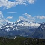 """Blick vom Kreuzeck zur Hochalmspitze - auch """"Tauernkönigin"""" genannt und mit 3.360 m höchster Berg der Ankogelgruppe"""