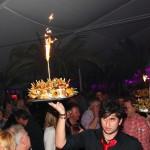 Süße Mitternachtsüberraschung bei der Welcome-Party