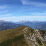 Vor mir das Heukareck, darüber Tennen- und Hagengebirge bzw. der Hochkönig