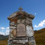 Marterl zu Ehren von Josef Ebner (Oberbichl) oben am Murtörl