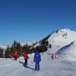 """Am Weg zur Sennleit´n-Einfahrt kommen uns die ersten """"regulären"""" Skifahrer unter"""