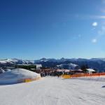 Panoramaplateau mit Bergstation, Laireiteralm und Schnee-Iglu