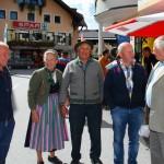 Geschäftiges Treiben am Marktplatz von Großarl