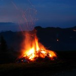 Sonnwendfeuer an der Laireiteralm - der Blick in Richtung Saukarkopf