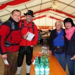 Am Start gab´s für alle Teilnehmer Wasser und Säfte statt Doping mittels Schnaps und Bier ...